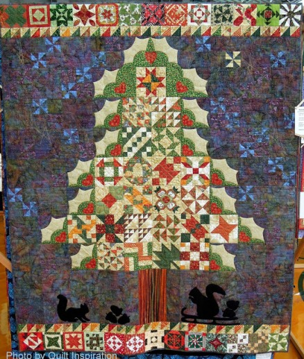 Holiday Tree by Sue Mead, 2013 DVQG photo by Quilt Inspiration