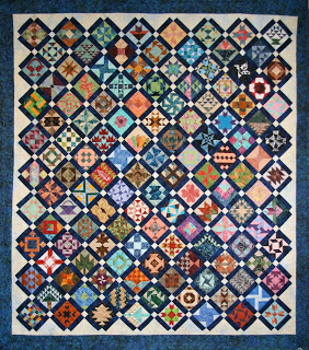 http://lindasquiltmania.blogspot.gr/2013/02/my-farmers-wife-quilt.html